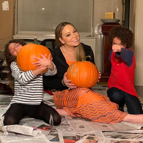 Mariah Carey and her twins celebrate Halloween | mcarchives.com