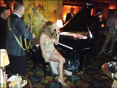 Mariah Carey performs impromptu set at the Carlyle | mcarchives.com